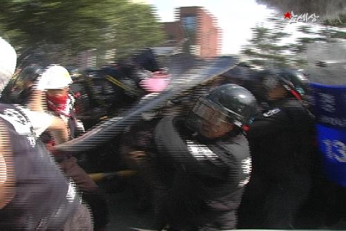 violence-police4
