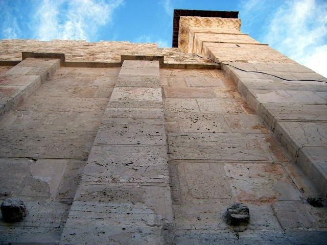 헤롯과 그 이후 시대의 막벨라 벽